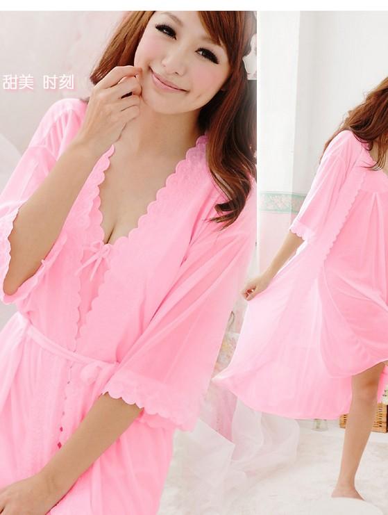 Bộ đôi đầm ngủ gợi cảm áo choàng màu hồng phấn DN147
