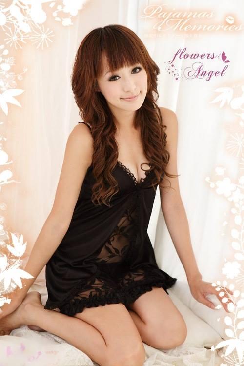 Đầm ngủ sexy đen sẻ giữa phối ren hoa hồng DN23