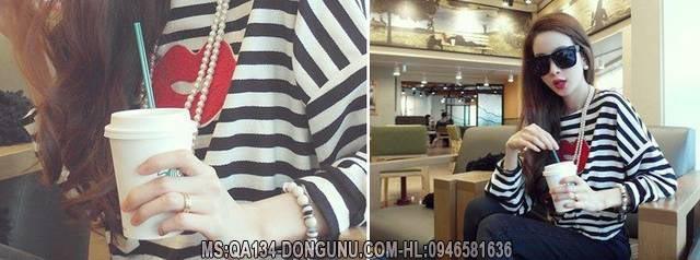 Áo thun sọc đen trắng in hình đôi môi QA134